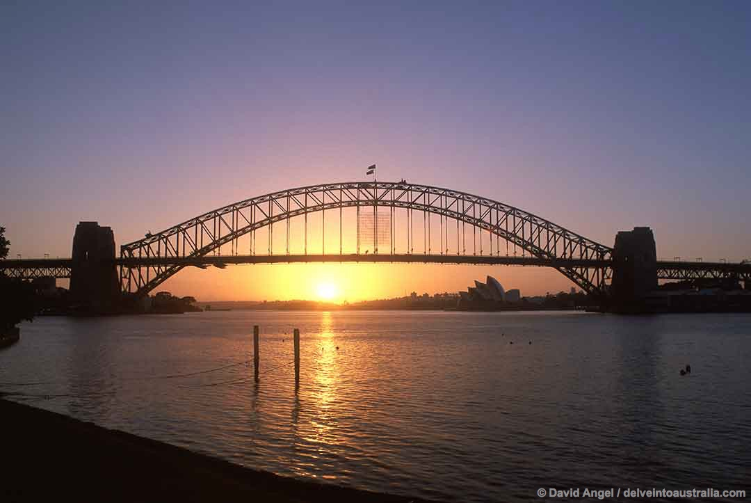 Image of Sydney Harbour Bridge at sunrise