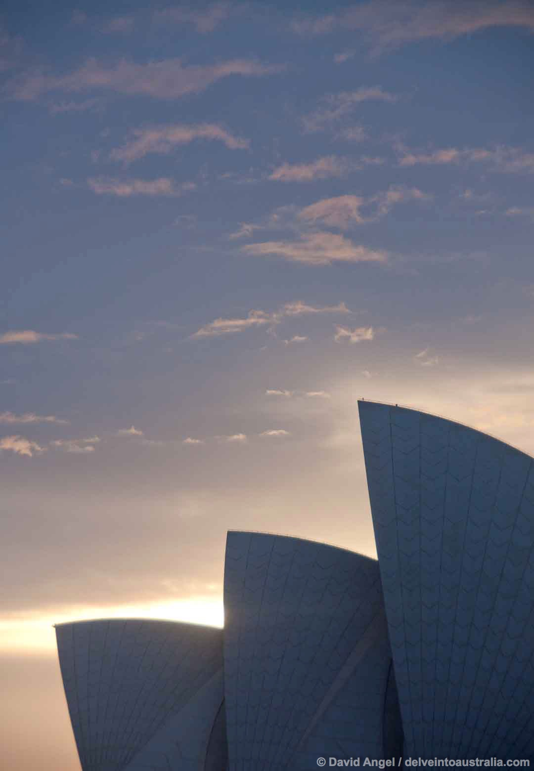 Image of Sydney Opera House at sunrise