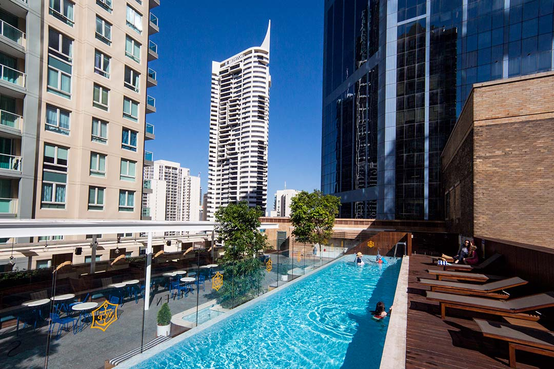 Image of the rooftop swimming pool at the Primus Hotel Sydney
